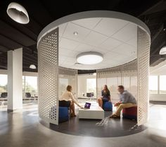 Browse and discover thousands of office design and workplace design photos - tagged and curated to make your search faster and easier. Industrial Office Design, Office Interior Design, Industrial Style, Office Designs, Industrial Interiors, Vintage Industrial, Corporate Interiors, Office Interiors, Bureau Design