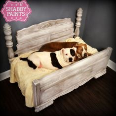 Upcycled Pet Beds Transformed with Shabby Paints. Custom one of a kind Pet beds transformed with Shabby Paints. Broken Bed transformed into extra large bed Diy Pet, Diy Dog Bed, Pet Beds Diy, Cute Dog Beds, Large Dog Bed Diy, Cat Beds, Arte Pallet, Pet Furniture, Painted Furniture