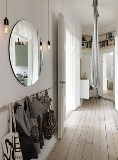The Nordroom - Soft Neutral Tones in Nina Persson's Malmö Home Neutral tones, soft fabrics and plenty of artwork in the cozy Malmö apartment of Nina Persson Style At Home, Nina Persson, Flur Design, Design Design, Hallway Ideas Entrance Narrow, Modern Hallway, Decoration Entree, Interior And Exterior, Interior Design