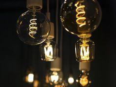 Úsporné LED, žiarovky a žiarivky s nízkou spotrebou energie Hygge, Clem, House Lamp, Incandescent Light Bulb, Visual Display, Blog Deco, Strip Lighting, Light Fixtures, Cool Things To Buy
