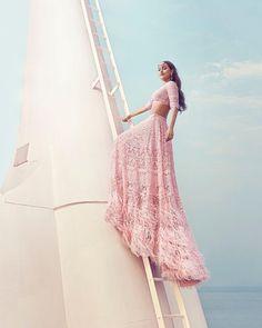 Sonakshi Sinha in @falgunishanepeacockindia shoots for @hellomagindia giving us perfect Bridal Goals on this Diwali.. ❤  #sonakshisinha #happydiwali #happydiwali2018 #diwali #diwalicelebration #happiness #bridalbeauty #bollywood #instabollywood #bollywoodstyle #bollywoodstar #bollywoodactress #beautiful #bollywoodnews #bollywoodfashion #fashiondesigner #fashionable #fashioninspo #bridallehenga #lehenga #bridallook #bridalstyle #photography #photoshoot #TheFabApp #FabOccasions