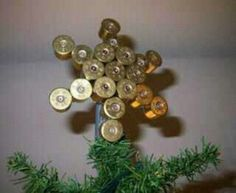 Shotgun shell star~gift for the redneck...i love it. Maybe a couple ornaments.