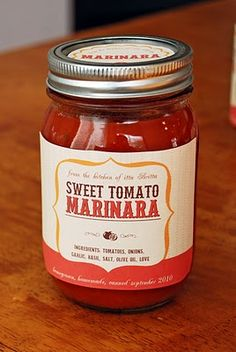Printable canning jar labels for your homemade Marinara!  OK, an awesome holiday gift for neighbors or co-workers.  Package with a great organic pasta tied with a great bow or twine.