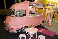 Adorable Ice cream Estafette from the Netherlands. B Food, Tiny Food, Ice Cream Car, Prosecco Van, Ice Truck, Small Bakery, Food Vans, Vintage Ice Cream, Food Truck Design