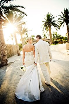 A sun-kissed photo of a happy bride and groom | Geoff Johnson Photographer
