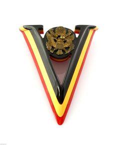 Vintage 1940s WW II Patriotic Red White Blue Bakelite V for Victory Brooch Pin - click thru for details...