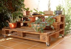Creative Ideas for Wooden Pallets Recycled Planters Recycled Planters, Wooden Planters, Recycled Pallets, Wooden Pallets, Wooden Diy, Pallet Planters, Pallet Fence, Reclaimed Wood Furniture, Repurposed Furniture