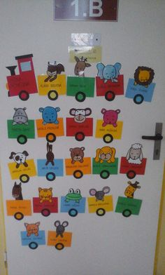 How to Make a Paper Apple Tree Craft Class Door Decorations, Board Decoration, Train Activities, Alphabet Activities, Preschool Crafts, Crafts For Kids, Anni Downs, Sunflower Crafts, School Doors
