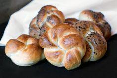 Restaurant style kaiser roll recipe