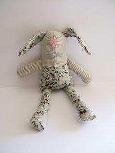 Small Easter bunny. Kids stuffed rag bunny. by ThePaperNeedle