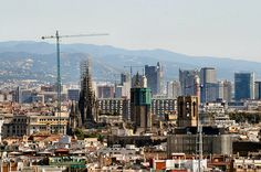 Barcelona's Cathedral Gothic Cathedral, Great View, Seattle Skyline, San Francisco Skyline, Barcelona Cathedral, Explore, City, Travel, Viajes