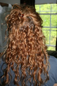Long layered hairstyles look fantastic even if they are simple. If you're lucky enough to have long hair but are unsure about how to style it, you're in the right place. 3a Curly Hair, Curly Hair Styles, Natural Hair Styles, 2c Hair, Long Natural Curls, Long Curls, Curly Girl, Face Shape Hairstyles, 3a Hairstyles