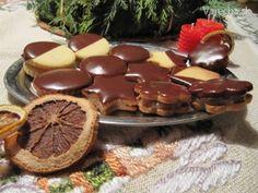 Vianočné keksy plnené orechmi (fotorecept) - Recept