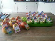 Jesse 7 jaar!! Popcorn voor de kinderen en gezonde appeltjes voor de meesters en juffen...