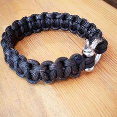 Handmade macrome unisexs bracelet  7$