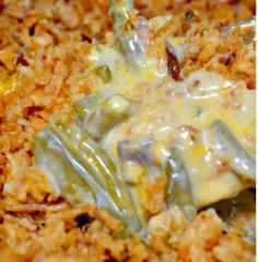 Easy Cheesy Green Bean Casserole Green Bean Casserole is a Thanksgiving tradition. I kicked up the traditional green bean casserole with cheese, garlic and Worcestershire sauce to make the best green bean casserole! Veggie Side Dishes, Vegetable Dishes, Vegetable Recipes, Food Dishes, Main Dishes, Nutella Brownies, Greenbean Casserole Recipe, Casserole Recipes, Cornbread Casserole