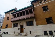 The Charnely-Persky House is a  distinct departure from the popular design motifs of the 1890s and a collaboration between architect Louis Sullivan and his young apprentice Frank Lloyd Wright.    It clearly illustrates how the pair rejected the historically-inspired details commonly used during the Victorian era.