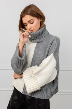 Color Blocker Sweater - Grey & White Color Block Turtleneck Sweater with Wide Sleeves. Thick Sweaters, Casual Sweaters, Cozy Sweaters, Cable Knit Sweater Dress, Sweater Design, Sweater Fashion, Pullover, Knitwear, Turtle Neck