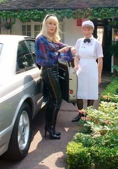 Those leather pants really brings out her beauty & fitness! Sissy Maid, Dominatrix, Maids, Mistress, Crossdressers, Leather Pants, Trousers, Bring It On, Home