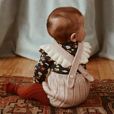 Baby clothes should be selected according to what? How to wash baby clothes? What should be considered when choosing baby clothes in shopping? Baby clothes should be selected according to … So Cute Baby, Pretty Baby Girl Names, Cute Baby Girl Outfits, Baby Kind, Cute Baby Clothes, Cute Kids, Cute Babies, Winter Baby Clothes, Stylish Clothes