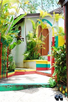 Touring Bob Marley's house in Nine Mile. Saint Ann Parish, #Jamaica. Well worth the trip to Nine Mile. An absolute must for Marley fans.