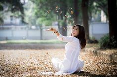Hot girl Hoang Yen Chibi dep tinh khoi trong ta ao dai