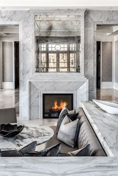An insider's guide to the slab yard, courtesy of designer Ferris Rafauli http://www.architecturaldigest.com/story/how-to-pick-marble-slabs-for-countertops