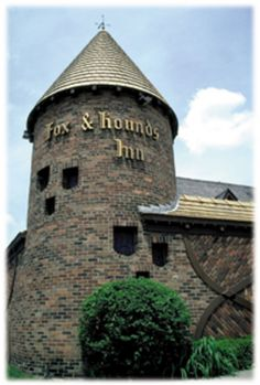 Fox and Hounds Restaurant, Bloomfield Hills, MI     Used to be a great place to eat Lunch.We held our Christmas Dinner there a few times. Last time I've heard it burned down. I don't know if it is rebuild.now.