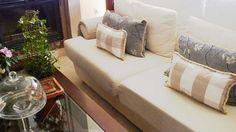 Cojines de cuadros, renovar la tapiceria y los complementos cara a las Navidades.Tela 3 euros en Ikea pasamaneria 4 euros total 2 cojines por 7 euros.
