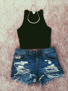 36 Popular Girls Crop Top Style Outfit For Summer