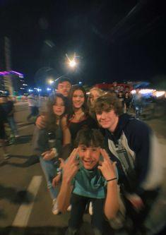 I Need Friends, Dream Friends, Cute Friends, Cute Friend Pictures, Best Friend Pictures, Friend Pics, Fotojournalismus, Photographie Indie, Best Friends Aesthetic