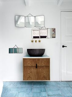 Interiors: Bathrooms Mirror Clusters