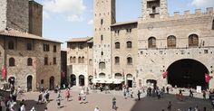 Piazza del Duomo em San Gimignano #viajar #viagem #itália #italy