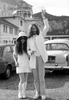 On this day in music history: March 1969 - John Lennon and Yoko Ono are married in Gibraltar in a quiet civil ceremony. Initially the pair intend to get married on the Southampton Ferry, but when. Celebrity Wedding Photos, Celebrity Wedding Dresses, Celebrity Weddings, Mia Farrow, Norman Hartnell, Dior Haute Couture, Pippa Middleton, Grace Kelly, Natalie Wood