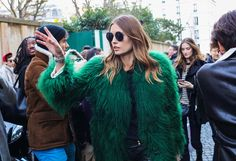 Fashion week_FW2017 : street style Why Paris Street Style's Hair Stars Are Falling for the New French Wave