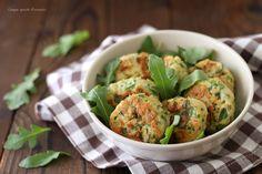 Le polpette di pollo e rucola sono un secondo piatto sfizioso e semplice da preparare, perfetto per un pranzo veloce e sano!