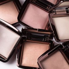 Hourglass Cosmetics | Ambient Lighting Powder | Glow | Complexion
