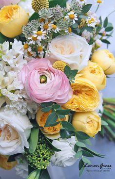 ♛BOUTIQUE CHIC♛ All Flowers, Flowers Nature, Amazing Flowers, Fresh Flowers, Yellow Flowers, Beautiful Flowers, Wedding Flowers, Beautiful Flower Arrangements, Floral Arrangements