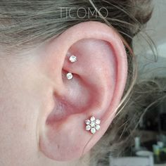 Any quantity of the goods is only one shipping charge. <<< This listing is for 1 piece Will be safe packed in a craft gift box. The bar is a standard 16 gauge. Internally threaded, only on side can detachable. Material: hypoallergenic surgical steel. Zircon Diameter: 3mm. Bar length(without Daith Piercing, Rook Piercing Jewelry, Ear Peircings, Rook Earring, Cute Ear Piercings, Bar Stud Earrings, Cartilage Earrings, Crystal Earrings, Tragus Stud