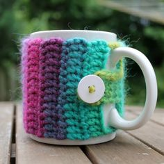 Mug cozy - links to a free pattern