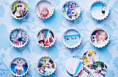 VAKANTIEMAGNETEN Knip uw vakantiefoto's in cirkeltjes die in kroonkurkjes passen. En bevestig de kurkjes vervolgens met een magneetsticker aan uw koelkast of aan een magnetische muur. Extra tip: verf de kroonkurkjes in een kleur die bij de muur passen. Beeld: Craftgawker.com