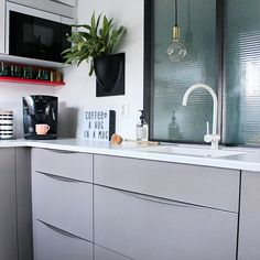 Kitchen 💜 #kitchen #interior123 #interiordesign #interior4all #interiorwarrior #interiormagasinet #interior_magasinet #boligmagasinetdk #boligpluss #boligdrom #rom123 #kvikk #vertiplants #lightbox #lykkehjørnet #lykkehjornet #homedecor