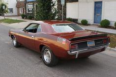 1970 AAR 'Cuda: love that duck-tail rear spoiler!!
