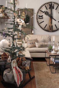 Gypsy Purple home. Prim Christmas, Country Christmas, All Things Christmas, White Christmas, Purple Home, My Living Room, Living Room Decor, Vintage Design, Decor Vintage