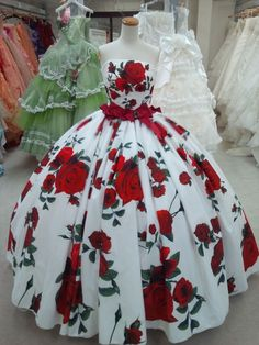 1950's Rose Print Gown. WOW what a dress......