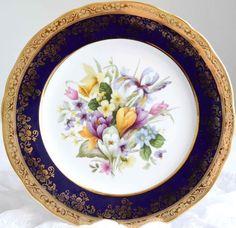 Assiette bleue et or en porcelaine de Limoges par FrenchDecoChic