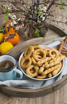 Κουλουράκια Κανέλας,Cinammon Cookies Greek Sweets, Greek Desserts, Cookie Desserts, Greek Recipes, Sweets Recipes, Healthy Recipes, Greek Dinners, Greek Cooking, Middle Eastern Recipes