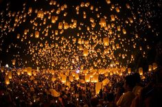 Thousands of Lantern float to the sky at Chiangmai Credit: Athit Perawongmetha/Getty Images