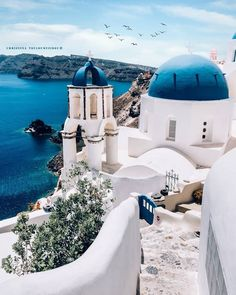[New] The 10 Best Travel Ideas Today (with Pictures) - Santorini is on my bucketlist! Places To Travel, Places To See, Santorini House, Santorini Greece, Road Trip, Destinations, Wanderlust, Travel Tours, Travel Ideas
