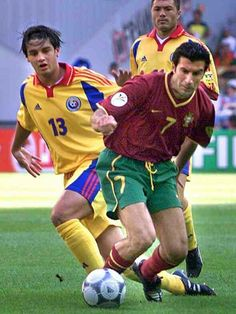 Portugal 1 Romania 0 in 2000 in Arnhem. Luis Figo goes passed Cristian Chivu in Group A at Euro Sport Icon, European Championships, Garra, Football Soccer, Romania, Portugal, Icons, Group, Celebrities